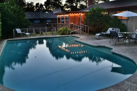 Redding Ranch Style House with Pool
