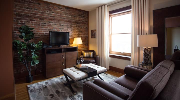 Downtown Stratford Private Suite
