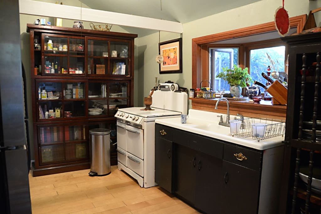 Full kitchen  has everything  with new Keurig coffee maker,toaster oven,microwave, stove.