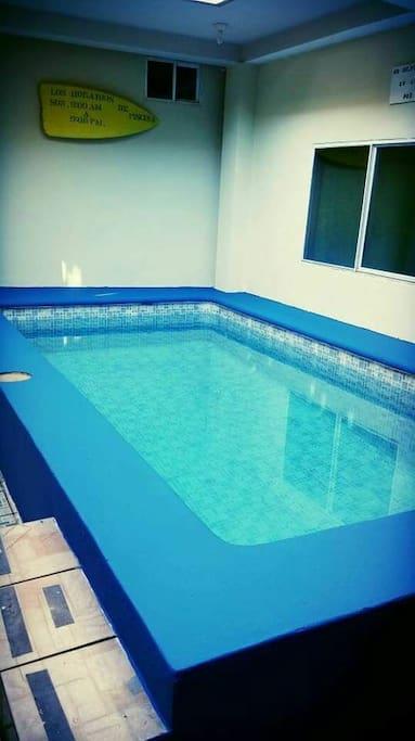 Área de piscina en el primer nivel