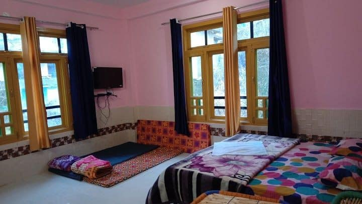 A peaceful property in beautiful parvati valley.
