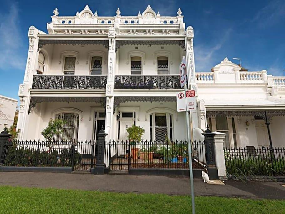 Victorian heart of melbourne maisons louer parkville - Maison entrepot melbourne en australie ...