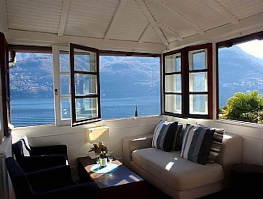 lake como singles Hey guysif you had a chose between lake como or lake gardawhich one would you pick  for about 70 euro single with bath and breakfast, .
