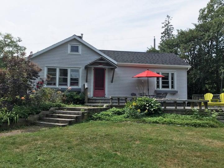 Ocean-view Cottage, Bayswater Beach, Nova Scotia