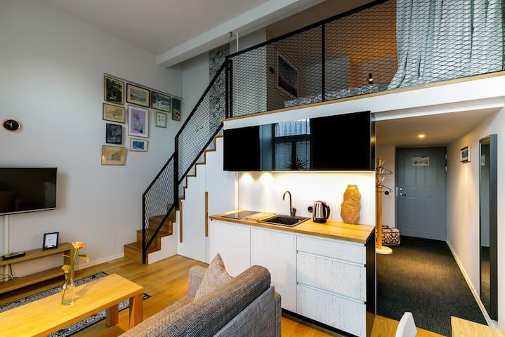 Cosy modern loft apartment in city centre