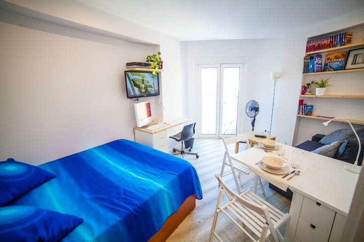 City center room with private bath - Valladolid - Apartamento