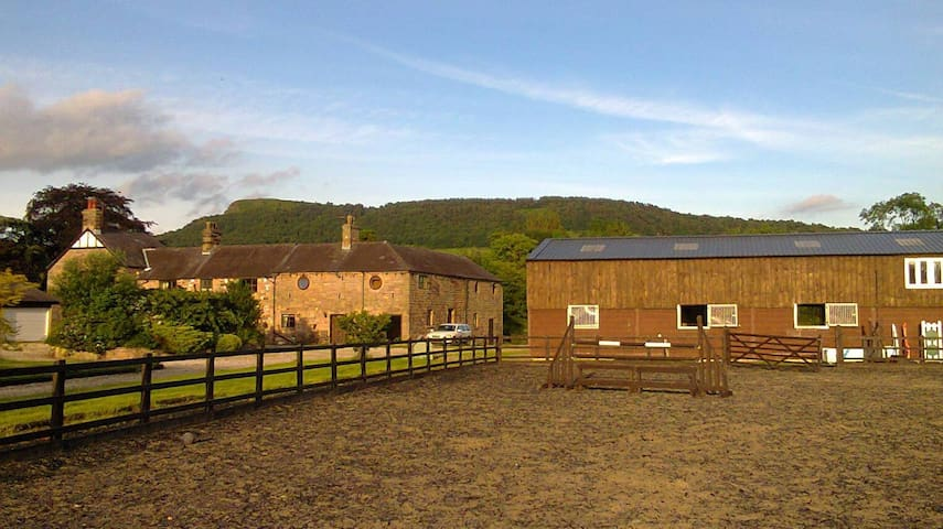 Beautiful Farm Stay at The Saddlery Cheshire - Congleton - Appartement