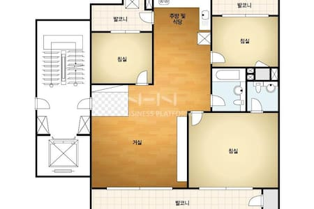 아파트 : 방 3 + 화장실2 + 주방+거실