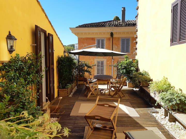 Loft with terrace near Campo de' Fiori