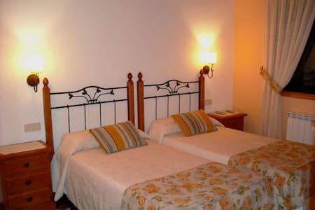 Habitación 2 camas en Casa Rústica - Nigrán