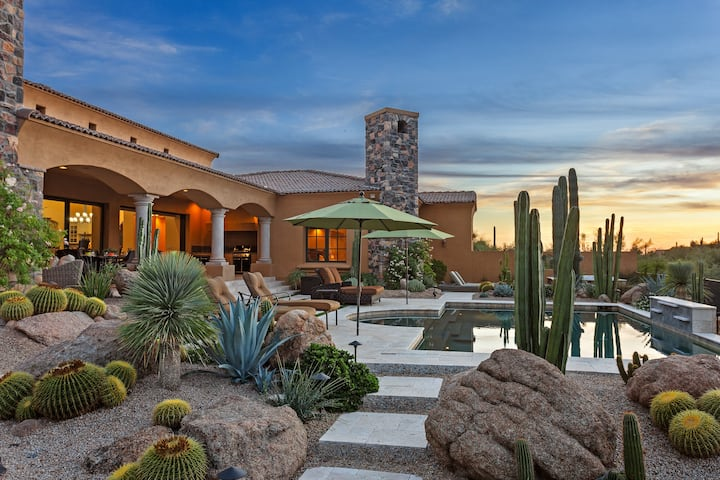 Cave Creek Serenity with Stunning Views!