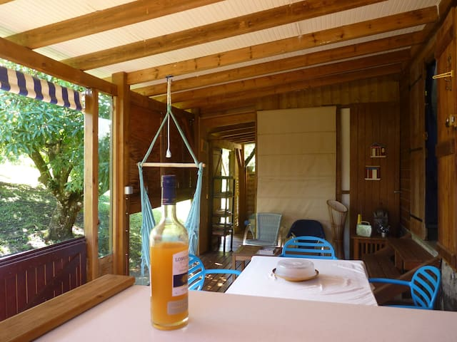 BUNGALOW 2 chambres , pleine nature!