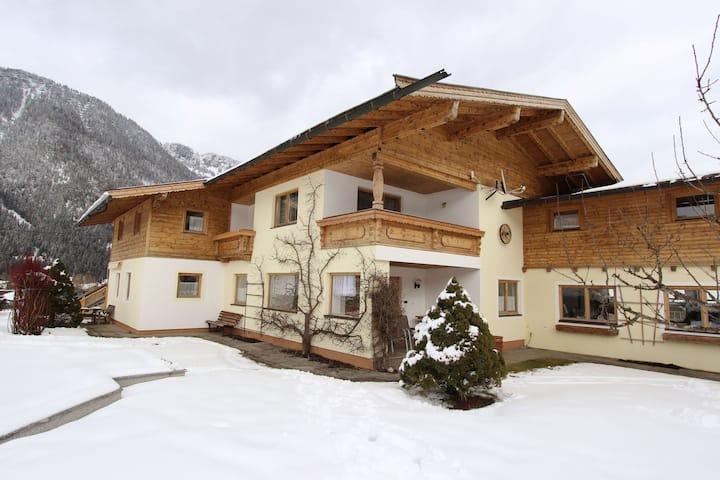 Beeindruckende Ferienwohnung mit Pool in Waidring, Tirol