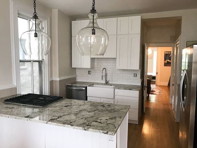 Spinnaker 4 Bedroom Italianate Penthouse Old Town
