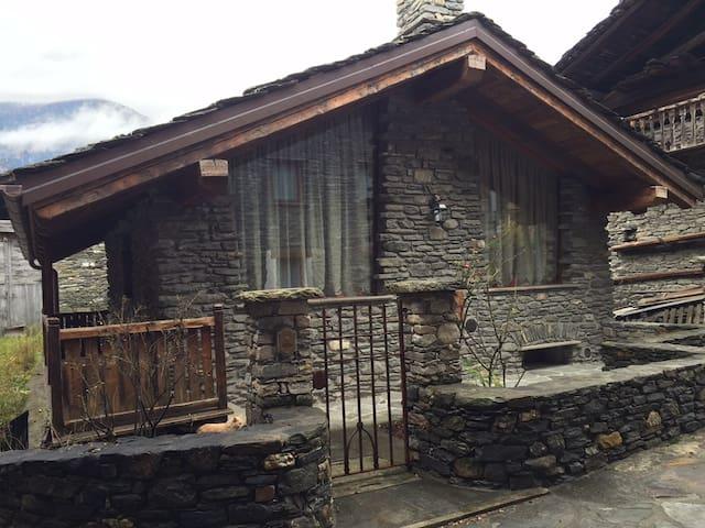 Chalet in La Salle, Aosta Valley - La Salle - Casa