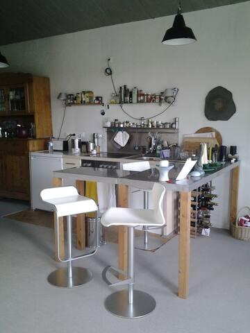 Künstlerische Wohnung 60qm an der Nordsee - Uelvesbüll - Loft