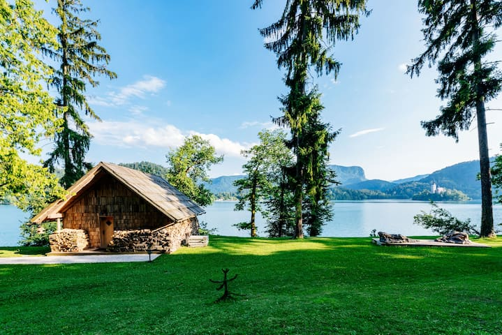 Private beach house on Lake Bled - Bled - Huis