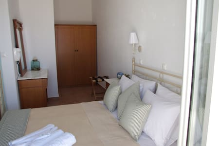 Double bedroom flat number 2 with sea view - Aliki