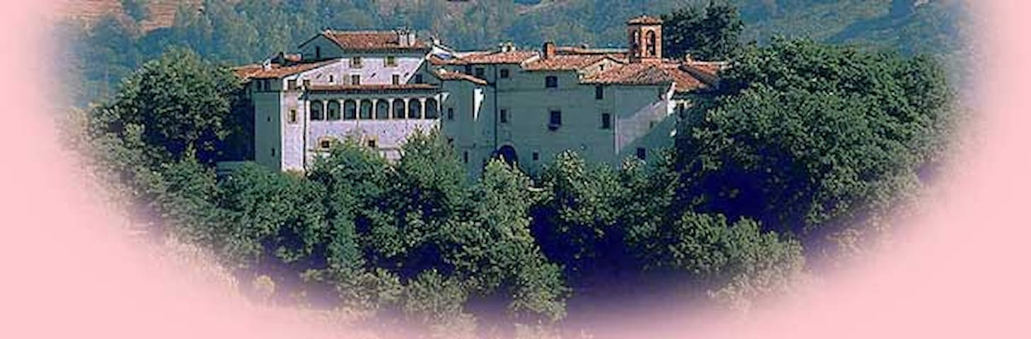Monolocale in un Castello medioevale Todi