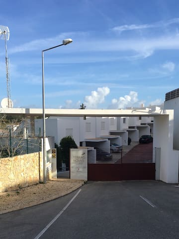 A Nice 3 Bed house with sea view J - Albufeira - House