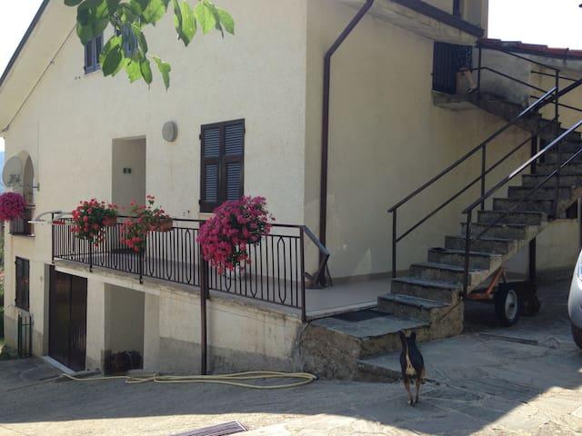 Amplia mansarda ai piedi d. M.Penna - Alpe