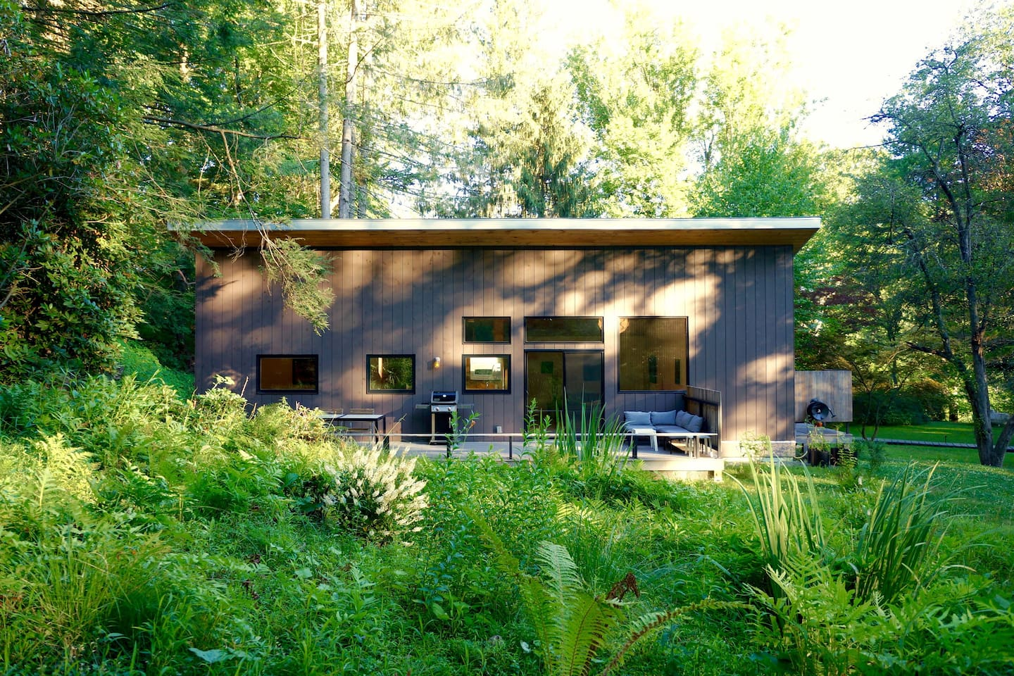 Custom designed, hand-built, eco cottage now booking.