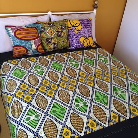The Sojourner's Lounge - Nairobi - Dom