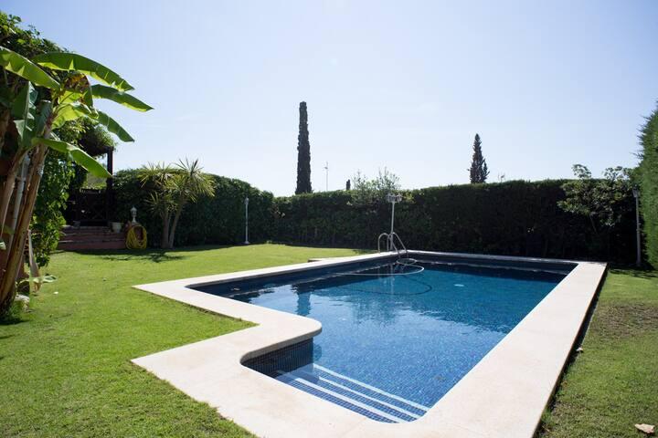 Double room w/terrace, Luxury Vila w/pool (Sitges)