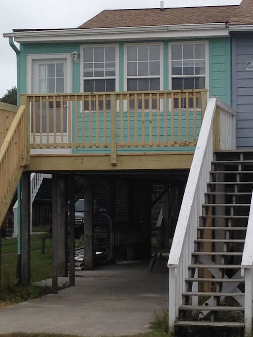 Recent picture of the house. Newly painted and deck extended.