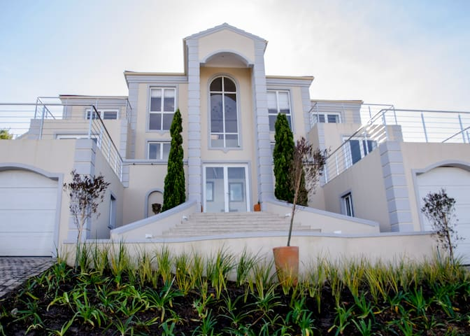 Fifteen Sheerline on Pezula Golf Estate Knysna