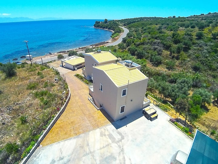 RED ROCK VILLAS,PETALIDI, MESSINIA