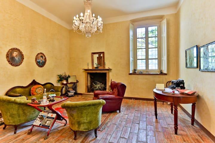 Romantic villa in the Silence