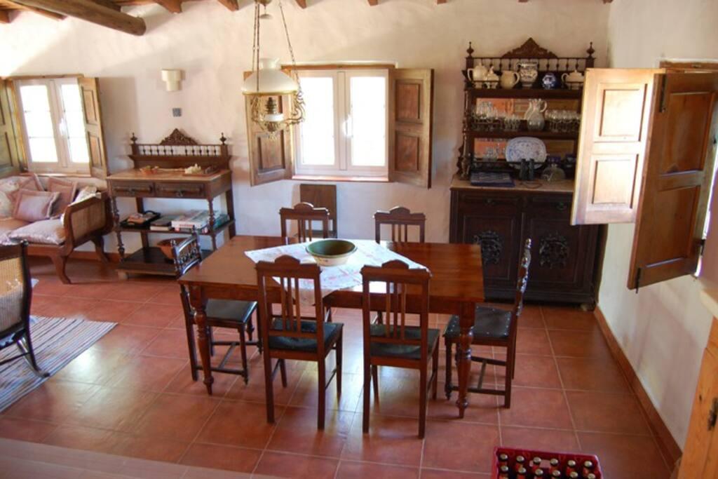 Matplats i stora rummet