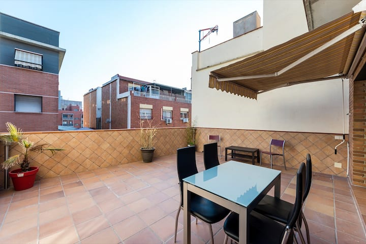 Cozy&Quiet Flat 20 minutes to Barcelona Center