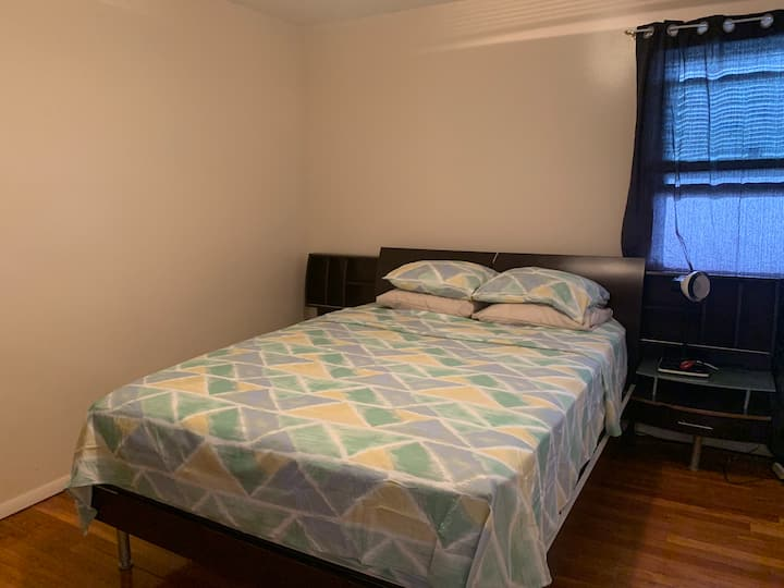 Clean, cozy & relaxing room and 10 mins to JFK 2.0