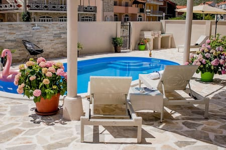 Villa Branka Apartment D3 with Pool near Dubrovnik