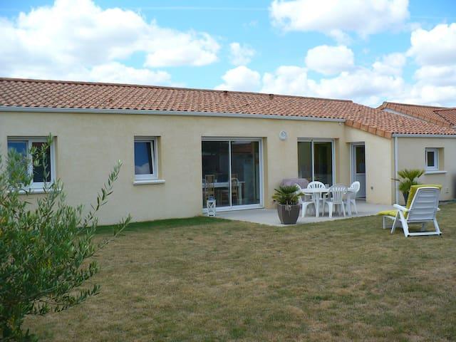 Maison neuve proche du Puy du Fou - Torfou - Dom