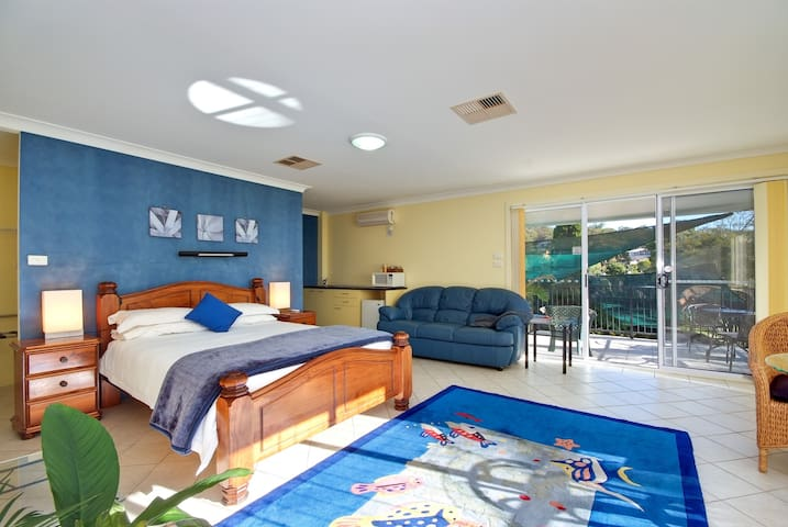 Salamander Beach Accommodation - Salamander Bay - Lägenhet