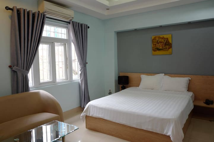 3 City Living - Serviced Apartment 30SQM + Window