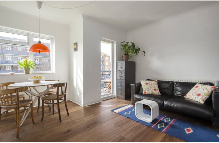 CLEAN & BRIGHT 2-Bed 2nd Floor with Balcony - Londres - Departamento