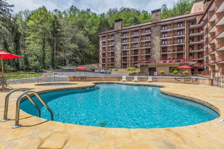 Luxurious Suite Double Bed Non Smoking At Gatlinburg
