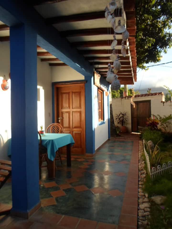 Habitación Luna Azul en Posada Lunamar, Margarita
