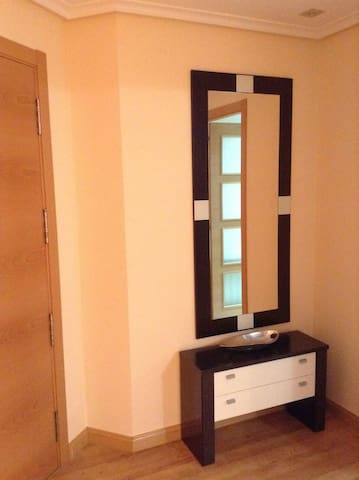 Apartamento muy amplio y soleado - Logroño