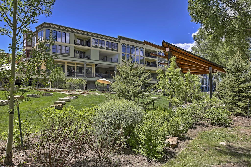 The lovely condo is situated right on Main Street, and right on the Eagle River and Vail Valley Trail.