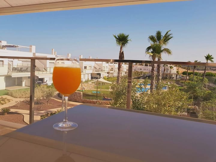 South-facing luxury appartment on Vistabella Golf