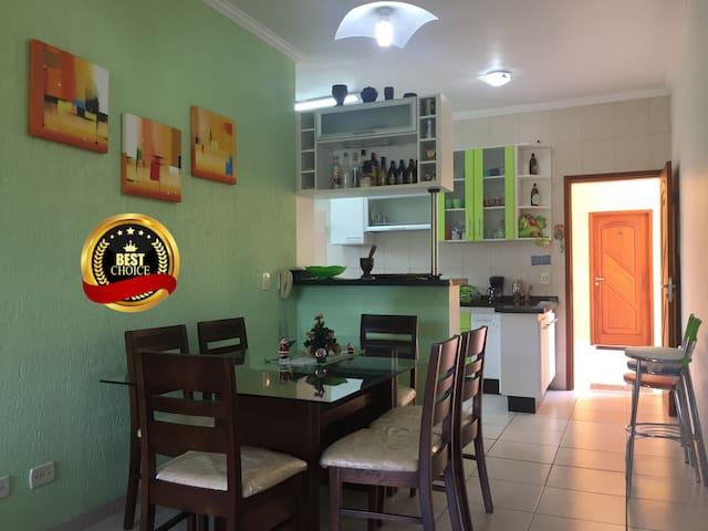 Excelente Apartamento com Ótima Localização
