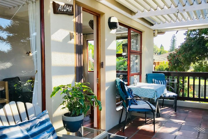 Self Catering Cottage, Very Central, Mountain view