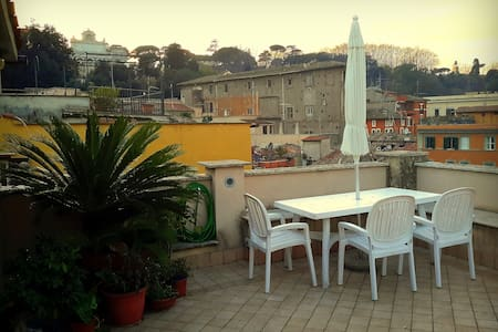 Trastevere Magic View (On RoOfToP!) - Rome - Apartment