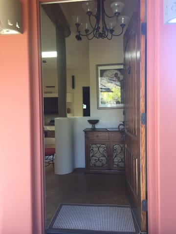Welcome to your romantic retreat in wine country - Come in!