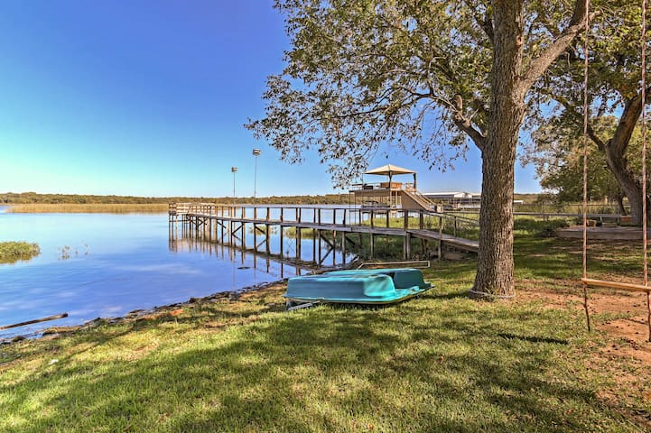 Lakefront 2BR Fort Worth House w/Private Dock!